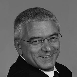 Professor Giustino Varrassi